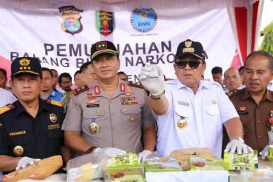 Gubernur Lampung memimpin pemusnahan barang bukti narkoba