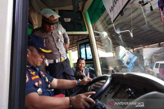 Polresta dan Dishub cek kelaikan kendaraan umum jelang libur panjang