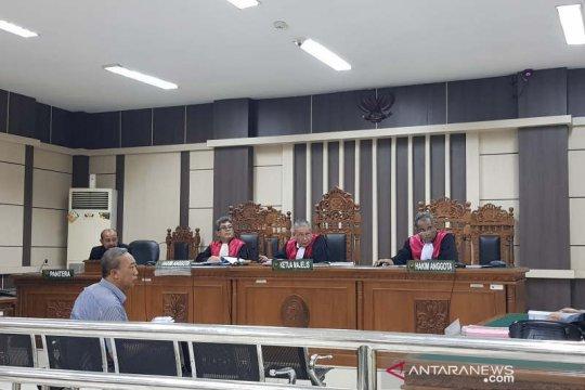Mantan Aspidsus Kejati Jateng didakwa terima suap dari pengacara