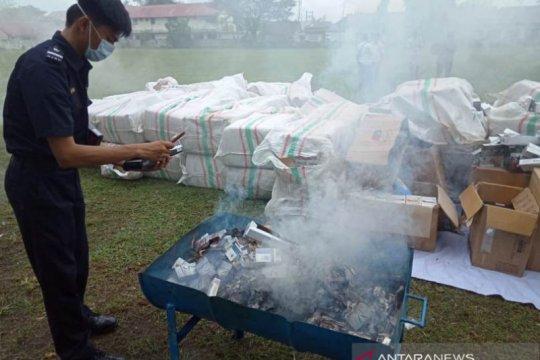 Bea Cukai Meulaboh musnahkan 1,8 juta rokok ilegal senilai Rp663 juta