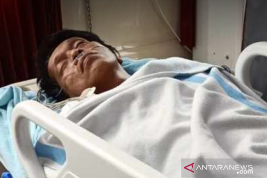 Aktivis 98 doakan Adian Napitupulu cepat sembuh dan berhenti merokok