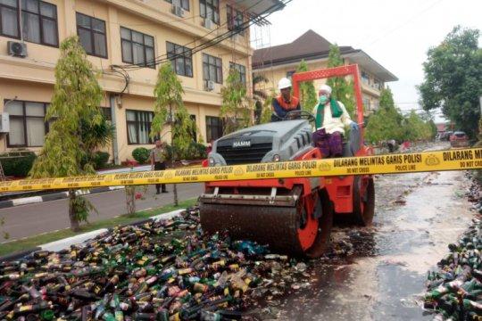 Polda Banten musnahkan 33.168 botol miras hasil Ops Sikat Kalimaya