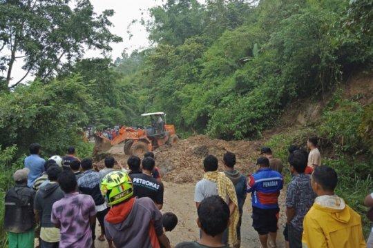 Banjir dan longsor terjang lima kecamatan di Agam-Sumbar