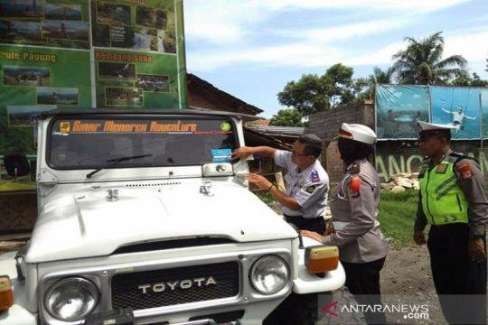 Dishub Kulon Progo periksa jip wisata Bukit Menoreh