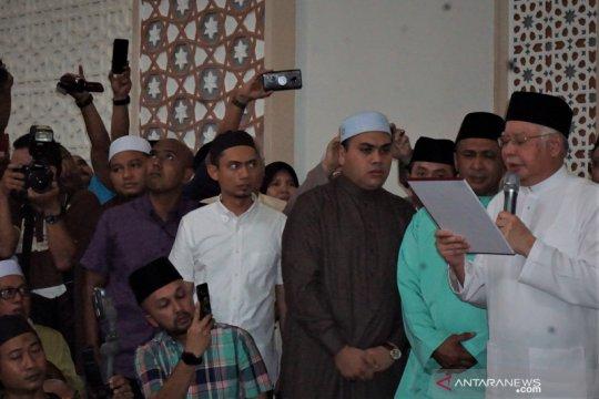 Najib Razak sumpah laknat di Masjid Kampung Baru