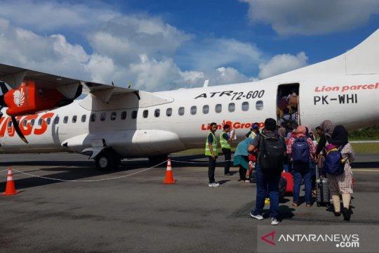 Kemarin, penumpang pesawat menurun hingga penggantian direksi PLN