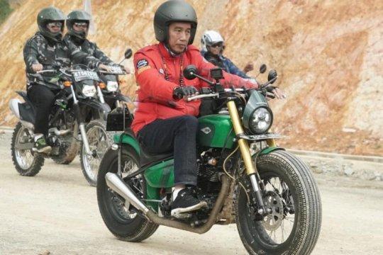 Kunjungi Krayan, Jokowi disambut spanduk pembentukan Kabupaten Krayan