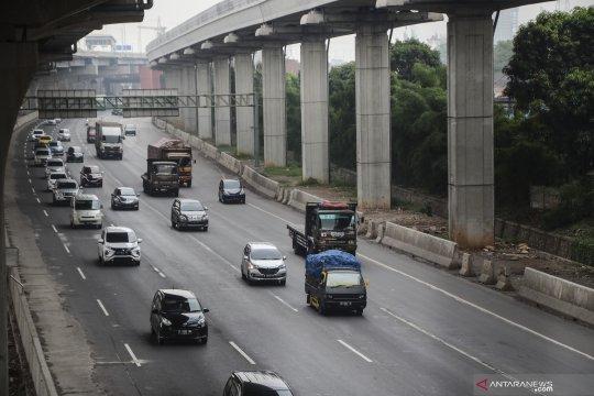 Kemenhub siapkan aturan transportasi jalan hadapi normal baru