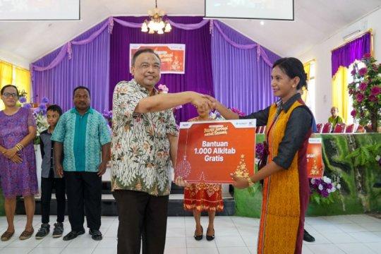 Pelindo III-Waskita bantu 1.000 injil untuk umat kristiani di Kupang