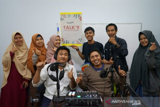 FKIP Unismuh Makassar luncurkan radio internet Podcast Talk9