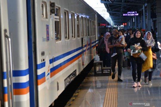 Kawanan maling barang penumpang di kereta api ditangkap