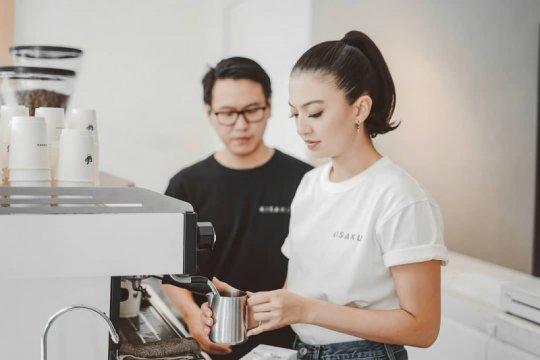 Es kopi susu kekinian selebritas paling dicari sepanjang 2019