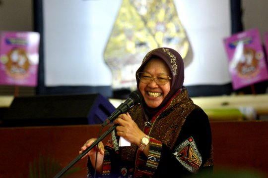 Wali Kota Risma pesan agar kaum perempuan tidak mudah menyerah