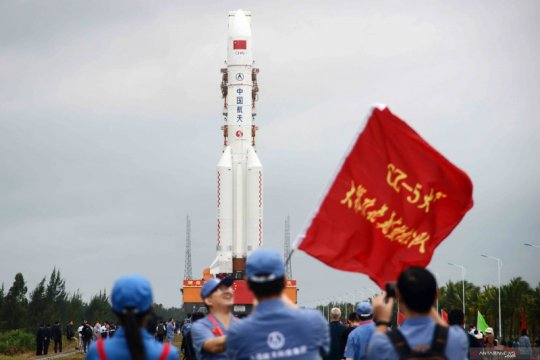 Pesawat ruang angkasa China sukses mendarat