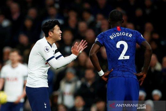 Kemenangan Chelsea dirusak pelecehan rasial terhadap Rudiger