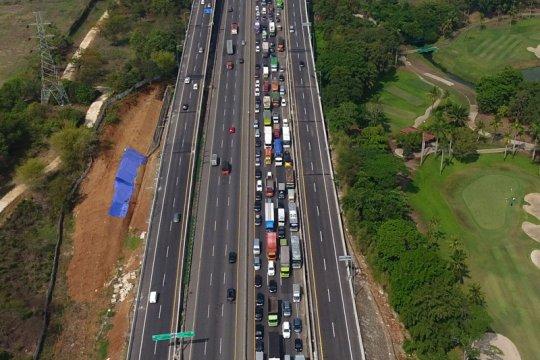 49.000 kendaraan tinggalkan Jakarta melalui GT Cikampek Utama
