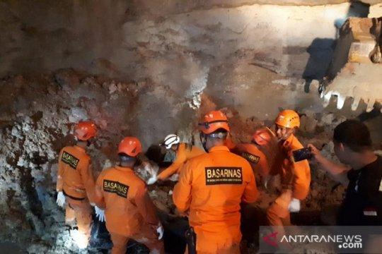 Basarnas Jambi berhasil evakuasi korban longsor di Merangin