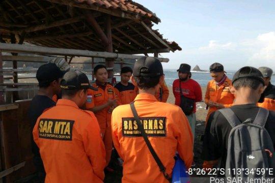 Tim SAR lanjutkan pencarian wisatawan hilang di Pantai Payangan