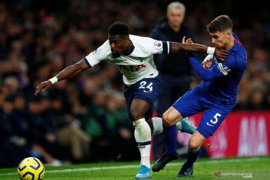 Saudara pemain Tottenham Aurier tewas ditembak di Prancis