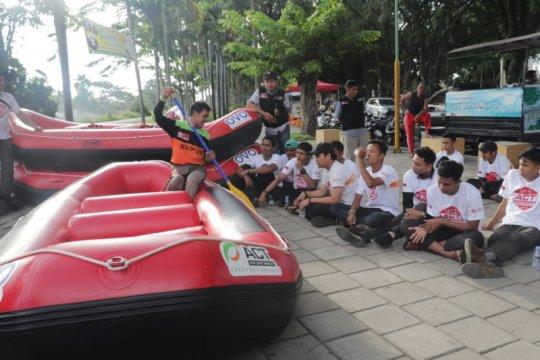 ACT Sumbar bekali relawan kemampuan penyelamatan korban dari perairan