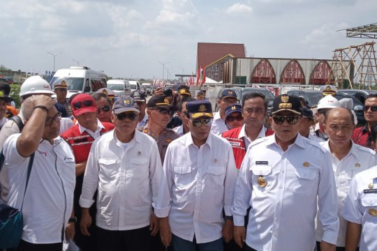 Menteri PUPR dan Menhub tinjau rest area di JTTS Lampung