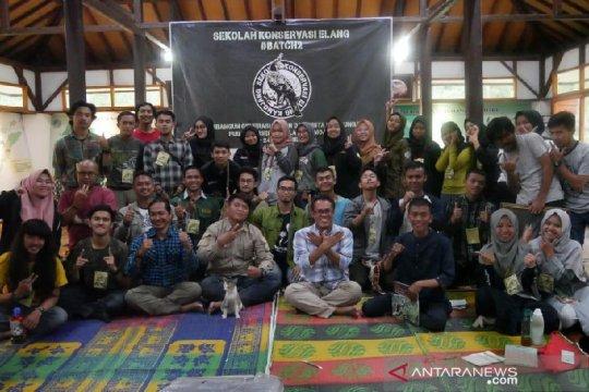Untuk konservasi elang di Indonesia, PKEK latih 30 sukarelawan