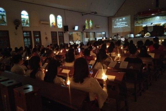 Ibadah malam kudus diikuti ribuan umat Kristiani Waena-Papua