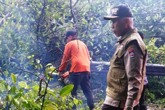 Curah hujan tinggi sebabkan longsor di Padang