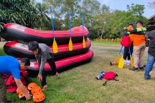 Sukarelawan MRI dilatih penyelamatan korban di perairan oleh ACT Sumut