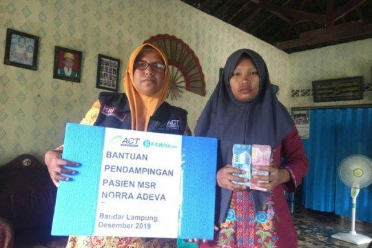 Penderita penyakit komplikasi diberi bantuan ACT Lampung