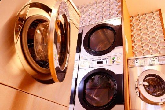 Tips enyahkan bakteri dari mesin cuci