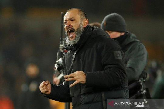 Wolves resmi perpanjang kontrak Nuno Santo