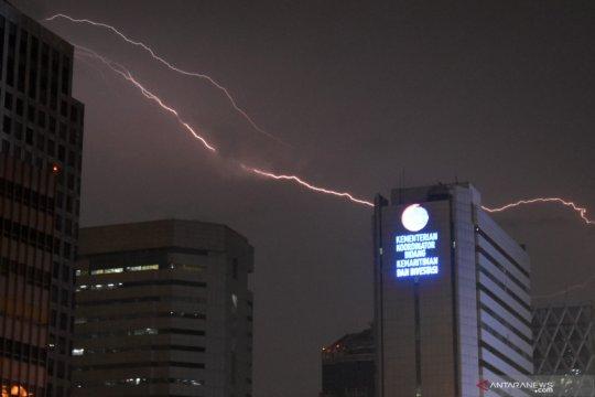 BPBD DKI keluarkan peringatan dini hujan angin dua hari ke depan