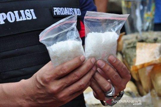 Polisi tangkap tiga warga Banjarmasin edarkan sabu di Barito Timur