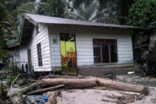 Banjir bandang landa Sibiru-biru Deli Serdang Sumut