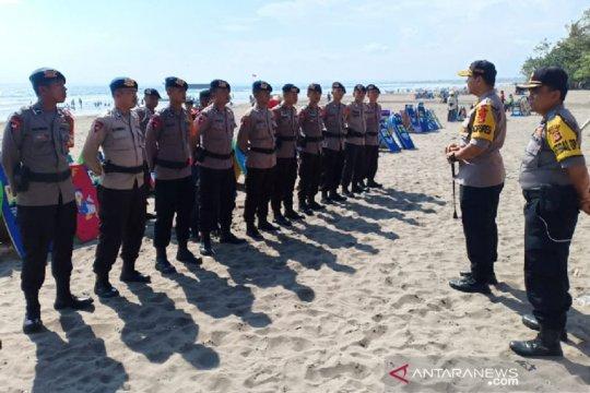 Brimob bantu pengamanan lonjakan kunjungan wisatawan di Pangandaran