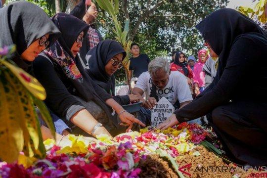 Selebritas Indonesia yang tutup usia di tahun 2019