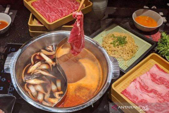 Shabu-shabu dengan daging wagyu, otentik Jepang tapi bebas mirin