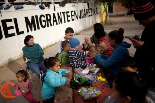 Meksiko pindahkan pencari suaka dari perbatasan dengan AS