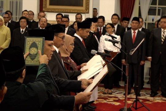 Terkait rangkap jabatan, Wapres minta pimpinan KPK patuhi UU