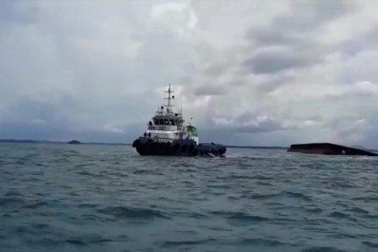 KSOP Tanjungpandan terbitkan notice to marine menyusul tenggelamnya tongkang