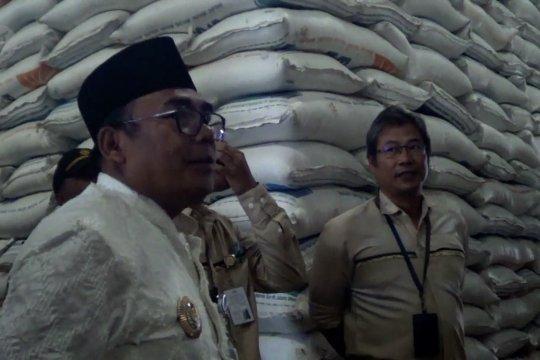 Pemkab Pekalongan tinjau  stok beras