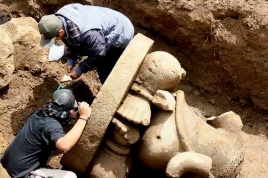 Petugas perluas penggalian temuan arca Ganesha di Dieng
