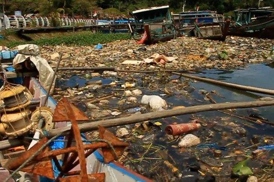 Plastik paling mendominasi pencemaran laut di Banda Aceh
