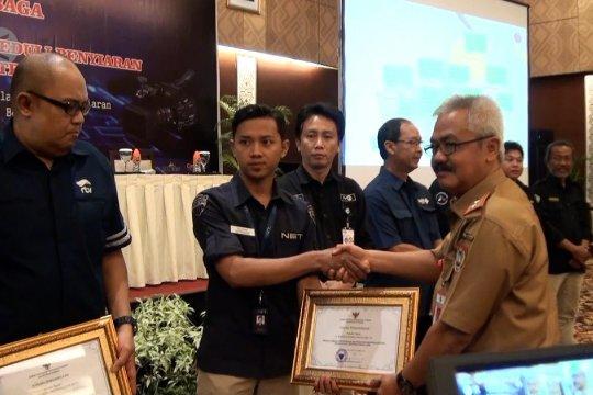Anugerah KPID kepada lembaga bersiaran konten lokal Kalteng