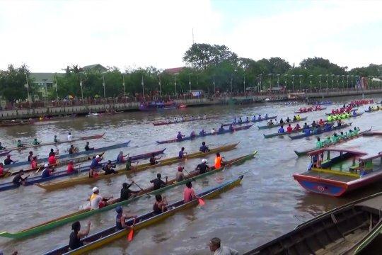 900 Atlet ikuti Festival Jukung di Banjarmasin