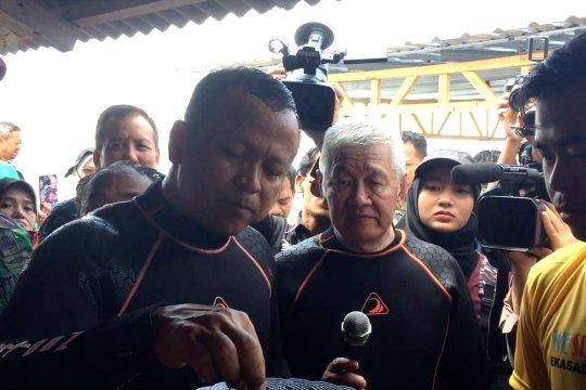 Menteri Edhi Prabowo kunjungi nelayan tangkap lobster di Teluk Lombok