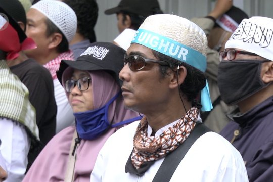 Ratusan massa ikuti aksi bela muslim Uighur