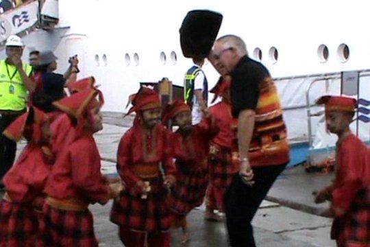 Kapal Pesiar Sun Princess berlabuh di Makassar