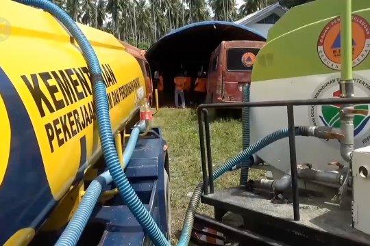 Kementerian PUPR distribusi air di lokasi pengungsian banjir bandang